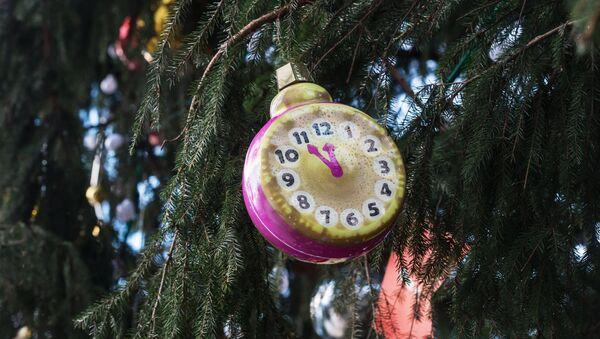Архивное фото новогодней елки на Соборной площади Кремля - Sputnik Абхазия