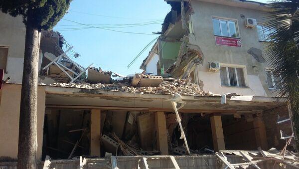 Обвал здания почты в Гагре - Sputnik Абхазия