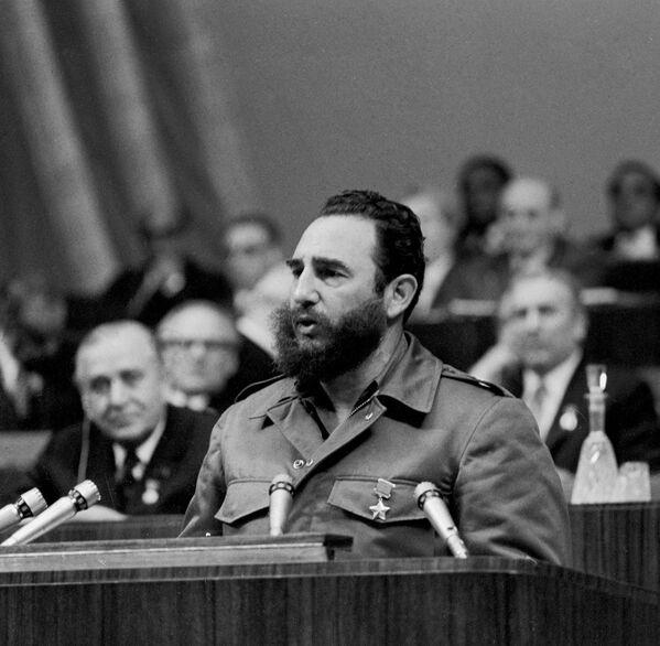 Первый секретарь ЦК Компартии Кубы Фидель Кастро - Sputnik Абхазия