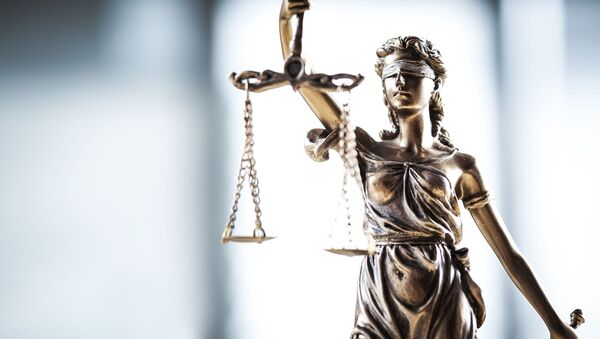 Статуя богини правосудия Фемиды с весами - Sputnik Абхазия