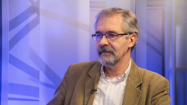 Политолог Леонид Поляков - Sputnik Абхазия
