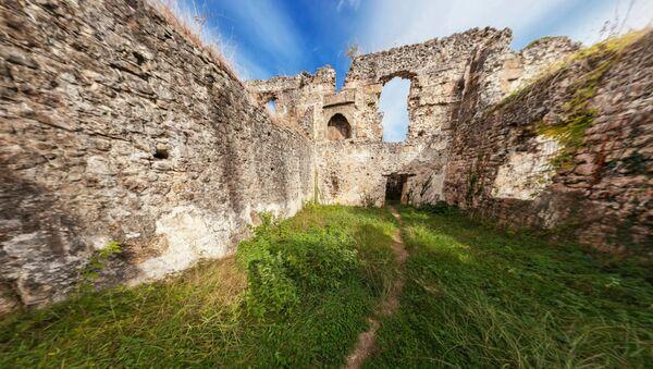 Замок Чачба (внутри) - Sputnik Абхазия