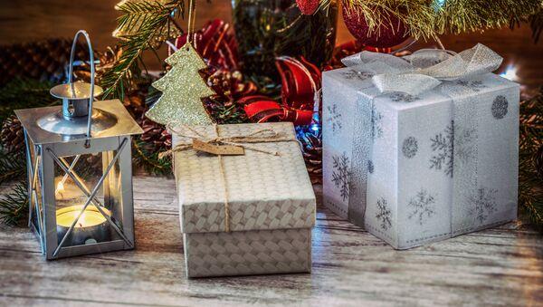 Новогодние подарки под елкой - Sputnik Абхазия