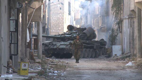 Уличные бои в Алеппо: сирийские танки и пехота освободили квартал Мейсар - Sputnik Абхазия