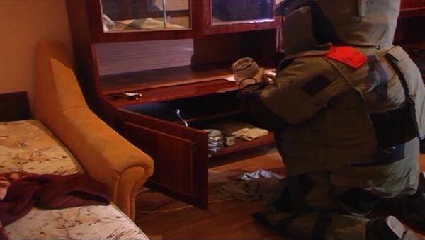 Кадры обыска ФСБ РФ в квартире предполагаемых пособников ИГ - Sputnik Абхазия
