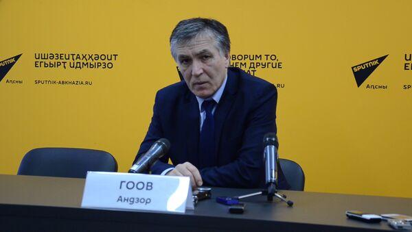 Андзор Гоов рассказал о количестве лечащихся в российских медучреждениях - Sputnik Абхазия