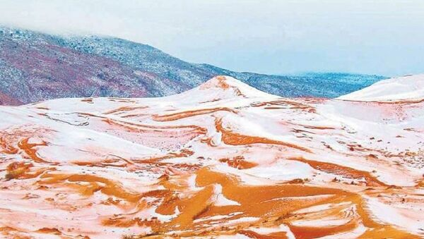 Снег выпал в пустыне Сахара впервые за почти 40 лет - Sputnik Аҧсны