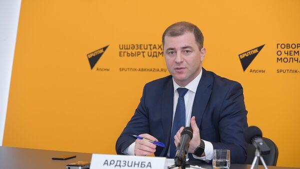 Аԥсны Аекономика аминистр Адгәыр Арӡынба - Sputnik Аҧсны