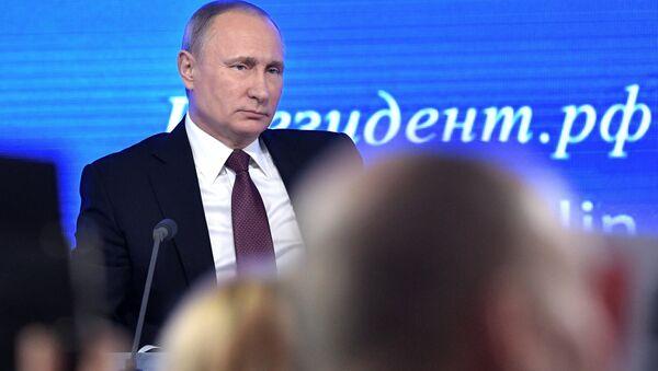 Двенадцатая ежегодная большая пресс-конференция президента РФ Владимира Путина - Sputnik Абхазия