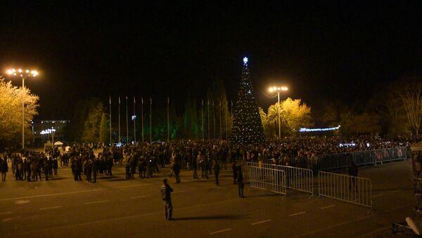 Спели, станцевали и встретили корабль: волшебство новогодней ночи в Сухуме - Sputnik Абхазия