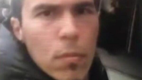 Полиция обнародовала видео предполагаемого исполнителя теракта в Стамбуле - Sputnik Абхазия