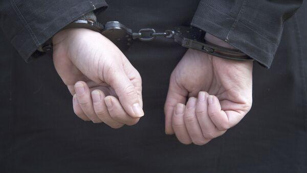 Женские руки в наручниках - Sputnik Абхазия