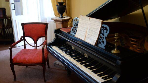 Архивное фото пианино - Sputnik Абхазия