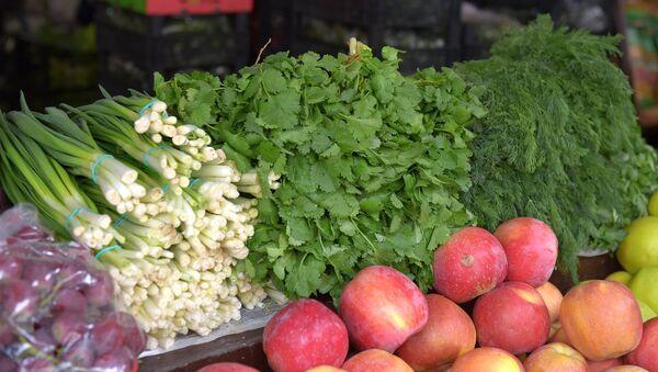Фрукты и овощи на Сухумском рынке. - Sputnik Аҧсны