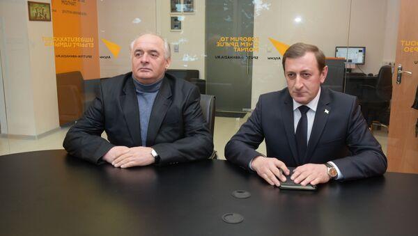 Апрофессор Оҭар Ӡиӡариеи афилологиатә факультет адекан Арда Ашәбеи - Sputnik Аҧсны