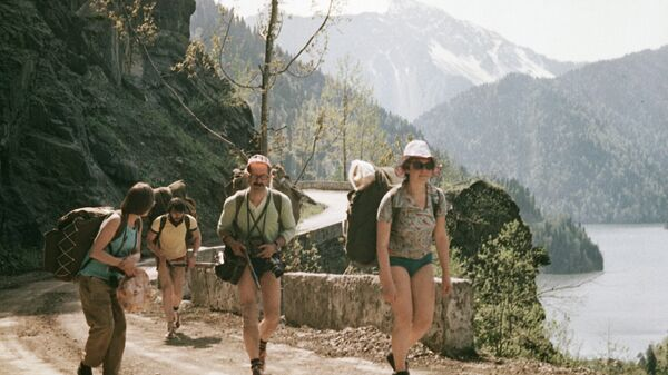 Туристы в Абхазии - Sputnik Абхазия
