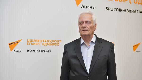 Апублицист Терент Ҷаниа - Sputnik Аҧсны