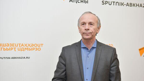 Аԥсны ашәҟәыҩҩцәа Реидгыла аиҳабы Вахтанг Аԥҳазоу - Sputnik Аҧсны