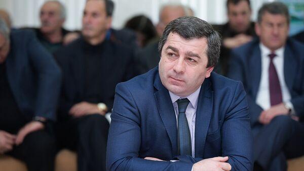 Руслан Аджба на заседании кабмина об исполнении Республиканского бюджета - Sputnik Абхазия