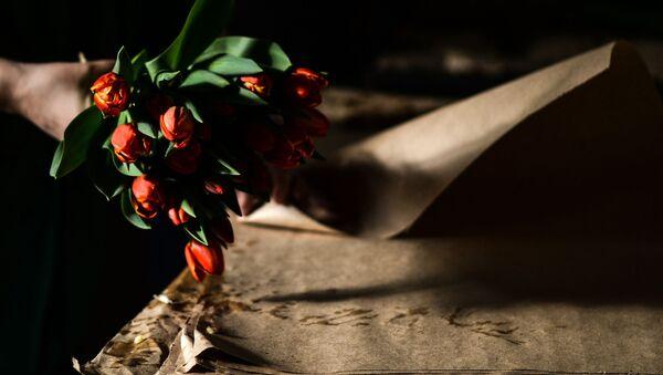 Выращивание тюльпанов теплице Великого Новгорода - Sputnik Абхазия
