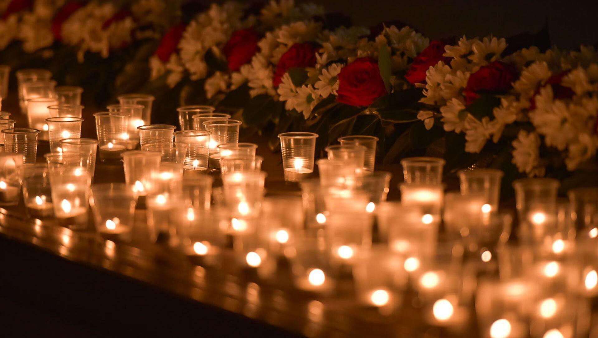 Зажжение свечей в память мартовской операции - Sputnik Абхазия, 1920, 30.08.2021