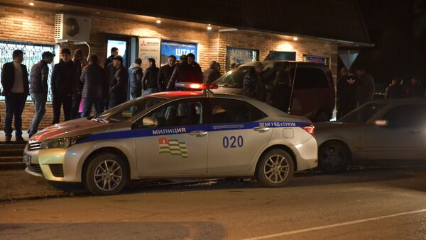 Возгорание автомобиля кандидата в депутаты Батала Айба в Сухуме - Sputnik Абхазия