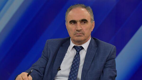 Председатель ЦИК Абхазии Тамаз Гогия на пресс-конференции на АГТРК  - Sputnik Аҧсны