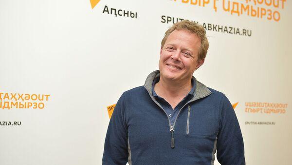 Джон Уоррен в радио студии Sputnik Абхазия - Sputnik Абхазия