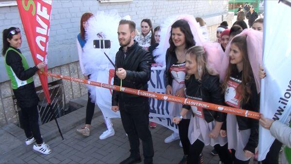 Бегом за мечтой: Невесты устроили забег в Ростове-на-Дону - Sputnik Абхазия