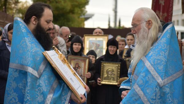 Богослужение в праздник Благовещения в кафедральном соборе в Сухуме - Sputnik Абхазия