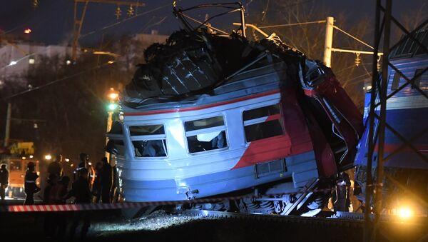 Столкновение пассажирского поезда и электрички на западе Москвы - Sputnik Абхазия
