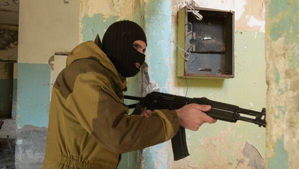 Вуду и его команда: кадры спецоперации в промзоне Бзыбта - Sputnik Абхазия