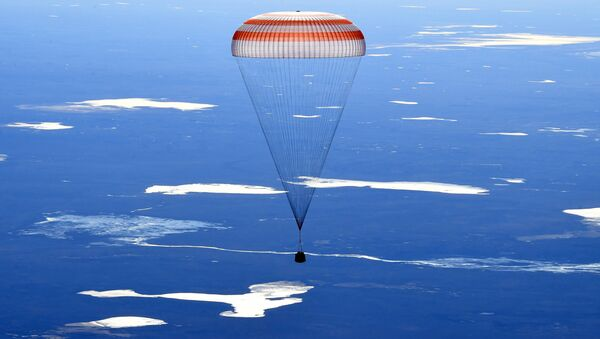 Экипаж корабля Союз МС-02 вернулся на Землю - Sputnik Абхазия