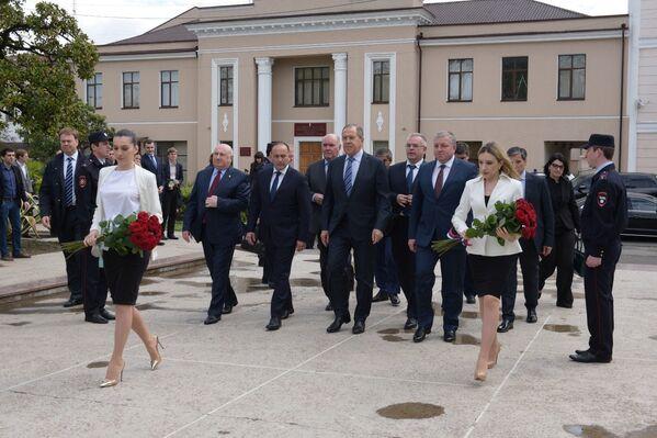 Возложение в Парке Славы - Sputnik Абхазия