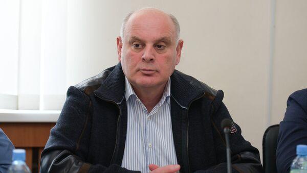 Депутат Аслан Бжания на второй сессии парламента Абхазии шестого созыва - Sputnik Аҧсны
