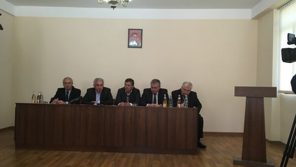 Заседание Президента Абхазии Рауля Хаджимба с руководством Гагрского района - Sputnik Абхазия