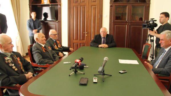 Ордена ко Дню Победы: кадры вручения наград ветеранам Великой Отечественной - Sputnik Абхазия