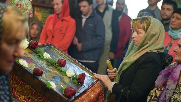 Праздничная служба в День памяти Святого Георгия Победоносца в Илорском храме - Sputnik Абхазия
