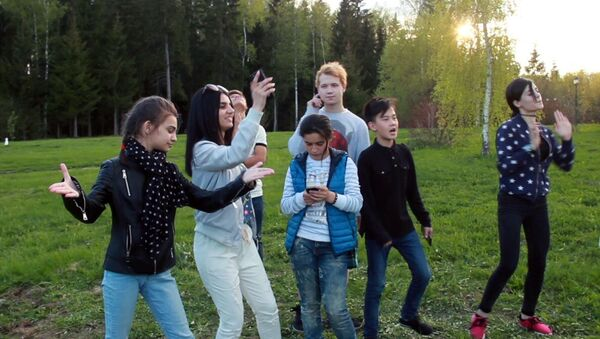 Одна большая семья: дети из стран СНГ снова встретились в Москве - Sputnik Абхазия