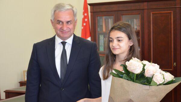 Встреча Валерии Адлейба с Президентом Раулем Хаджимба - Sputnik Абхазия