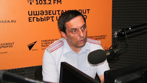 Аԥсны аҳәынҭқарратә автомабилтә хылаԥшра аусбарҭа аиҳабы ихаҭыԥуаҩ Геннади Арсалиа - Sputnik Аҧсны