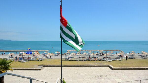 Отдых туристов в Абхазии - Sputnik Абхазия