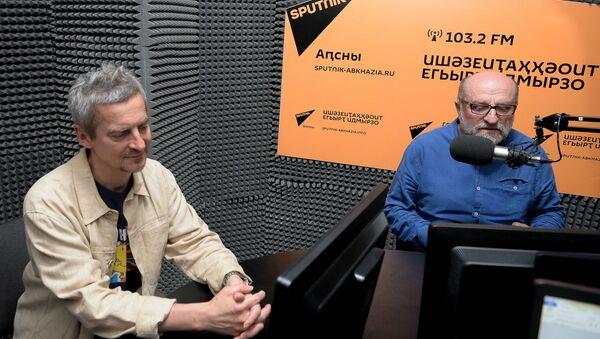Дмитрий Минченок и Кесоу Хагба - Sputnik Абхазия