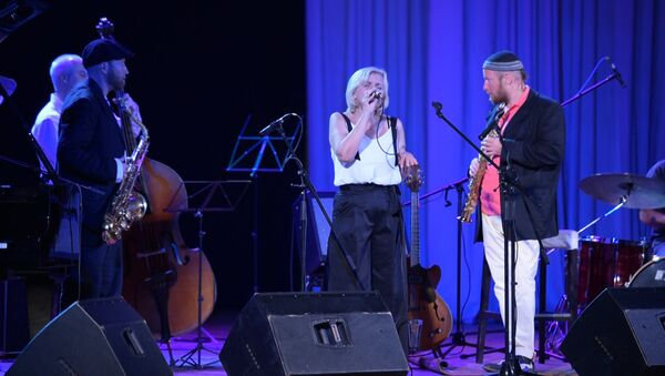 Джаз в Сухуме: как импровизировали музыканты на сцене филармонии - Sputnik Абхазия