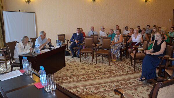 Русские общины Абхазии заключили Соглашение о сотрудничестве - Sputnik Абхазия