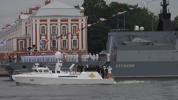 Финальная репетиция парада ко дню ВМФ в Санкт-Петербурге - Sputnik Абхазия