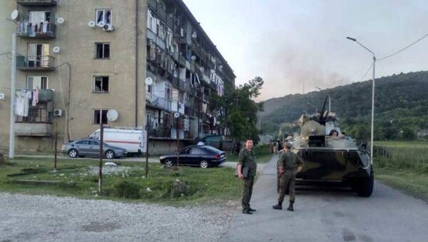БТР в районе взрыва в селе Приморское 2 августа 2017 - Sputnik Абхазия