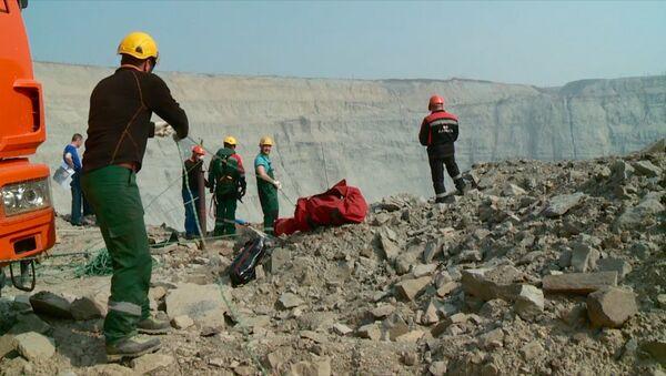 Альпинисты приступили к спасению шахтеров из затопленного рудника в Якутии - Sputnik Абхазия