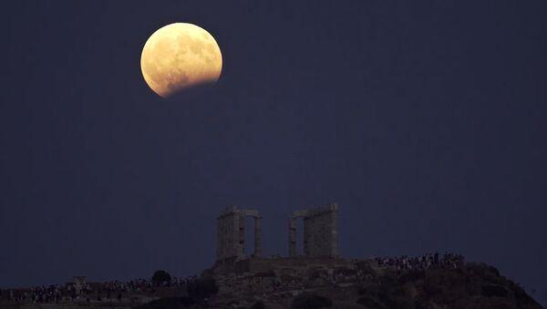 Красивые планы Луны во время затмения - Sputnik Абхазия