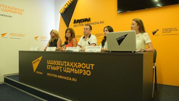 Формула благотворительности 5+1: в Sputnik подвели итоги акции в Пицунде - Sputnik Абхазия